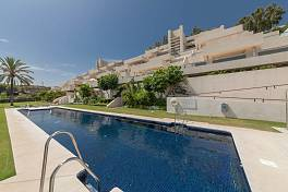 Stunning 3 bedroom duplex penthouse in contemporary development situated in one of the prime locations Marbella, the Golf Valley, Nueva Andalucia