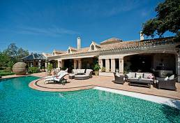 Very special luxury villa  on a plot of almost 6,000 square meters in the prestigious secure residential enclave of La Zagaleta, Benahavis