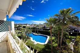 West facing 3 bedroom apartment overlooking the pool and garden in gated community with 24 hour security Guadalmina Baja, Marbella