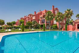 Comfortable home with a spacious living area, panoramic views to the Mediterranean sea in quiet location, Marbella