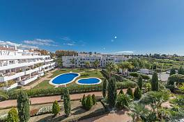 Very spacious family 3 bedroom apartment in a gated community with garden and pools on the Golden Mile and short distance from the beach