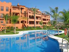 Apartment with fantastic sea views. Luxury complex with 4 communal swimming pools, gym, sauna, spa, indoor pool and more!