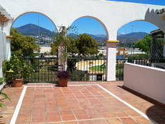 Spacious bright Duplex with 3 Bedrooms in San Pedro