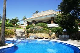 Refurbished Villa with a truly superb setting only a few minutes walking from Puerto Banus and the beach with spectacular sea and mountain views