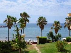Fantastic apartment located at the beach front with stunning views of the Mediterranean Sea, very bright