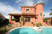 Large villa in the most prestigious locations in East Marbella